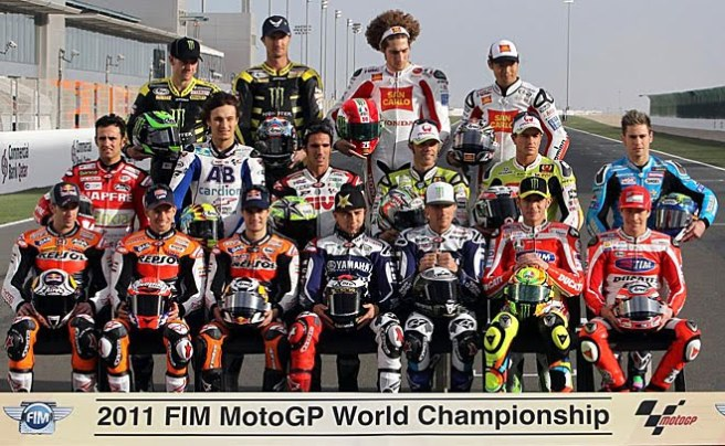 Imagen de los pilotos participantes en la categoría de MotoGP del pasado año 2011