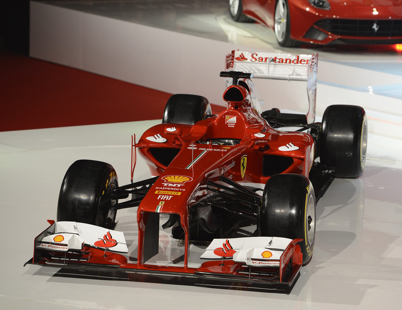 Sigamos con el curso... Ferrari-f138-04