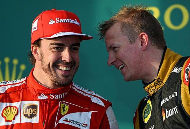 Alonso y Raikkönen, sonrientes en el pódium