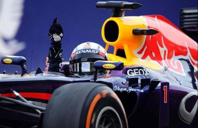 Sebastian Vettel, celebrando eufórico su segunda victoria del año