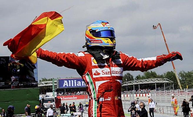 Fernando Alonso, en plena explosión de júblio tras su victoria