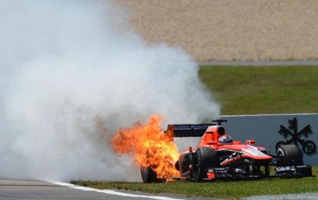 Jules Bianchi, con su Marussia en llamas