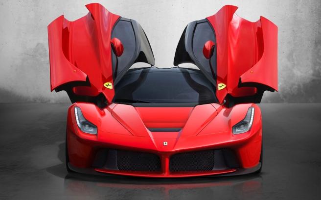 El Ferrari LaFerrari y su original apertura de puertas