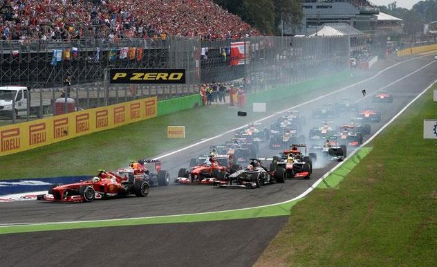 Momento en el que se produjeron los golpes al inicio de la carrera