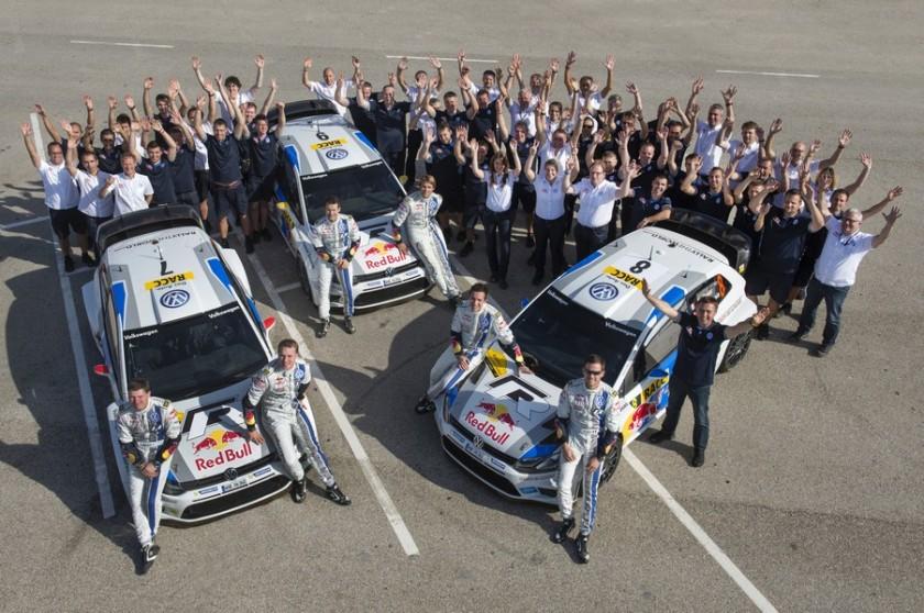 El equipo VW Motorsport, celebrando su primer Mundial de Marcas