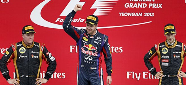 Pódium del GP de Corea, con Sebastian Vettel de nuevo arriba del todo