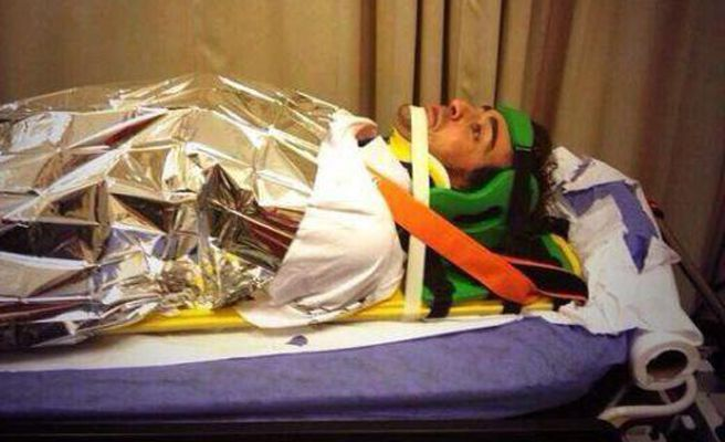 Fernando Alonso, siendo trasladado al hospital