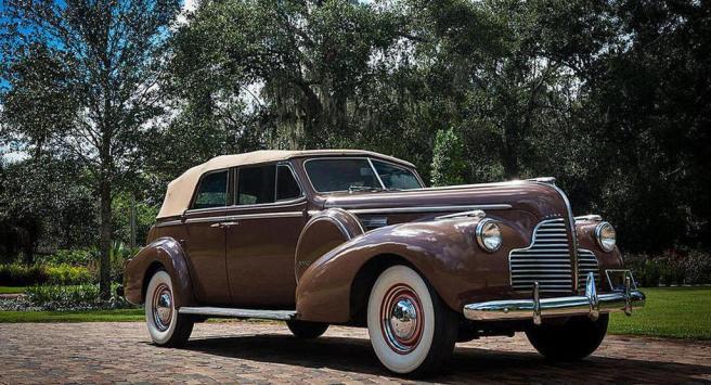 A subasta el Buick Phaeton de la película Casablanca