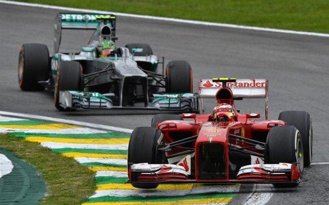 Espectacular el duelo entre Felipe Massa y Lewis Hamilton en Interlagos