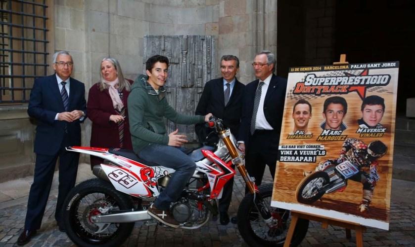 Marc Márquez junto a Xavier Trías, en la presentación del Superprestigio Dirt Track 2014