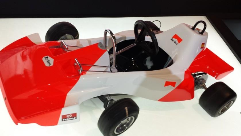 Primer kart de Fernando Alonso, construido por su padre