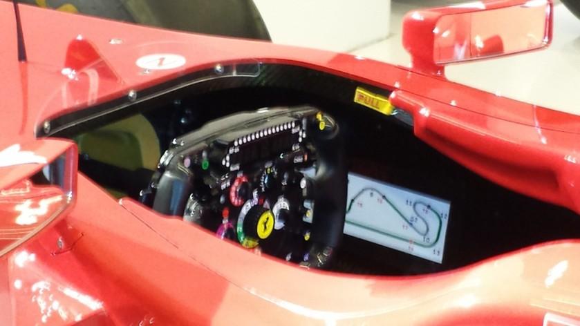 Cockpit del Ferrari F150th Italia de 2011