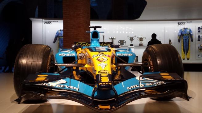 Frontal del Renault R25 de 2005