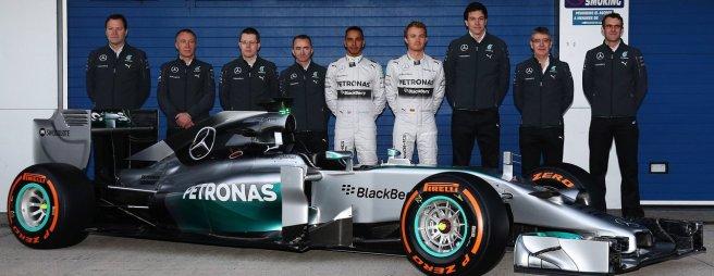 Mercedes presentó en Jerez su nuevo W05