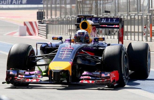 Muchos problemas hoy para Daniel Ricciardo y su Red Bull RB10