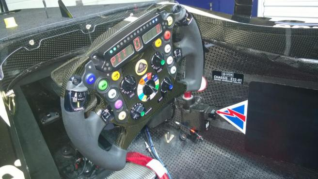 Así es el volante del Lotus E22
