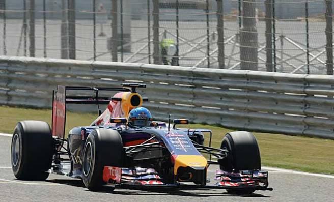 Primer día tranquilo en Red Bull y Sebastian Vettel