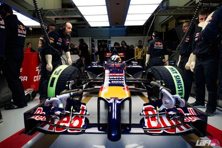 Pronto dejaremos de ver escenas como ésta en los boxes de los equipos de F1