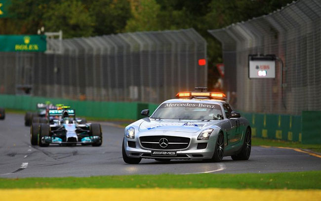 El Safety Car salió a pista tras el incidente de Bottas
