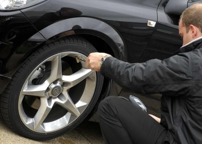 Una mala presión en las ruedas, el problema más común