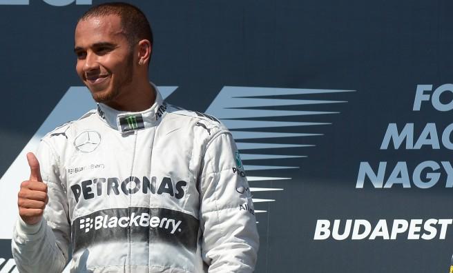 Lewis Hamilton, el deportista más rentable comercialmente del año