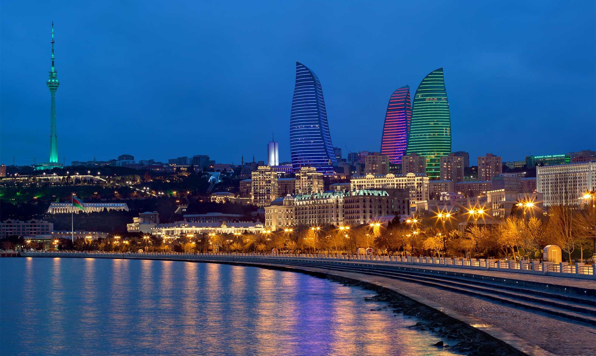 Circuito Urbano De Baku : Hamilton reina en el caos urbano