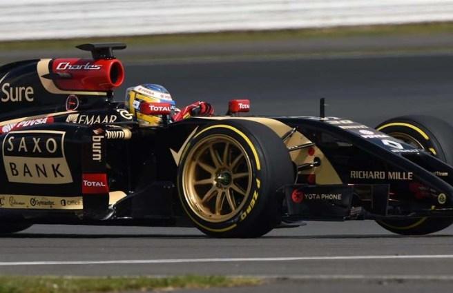 Charles Pic, probando las nuevas ruedas de 18'' de Pirelli