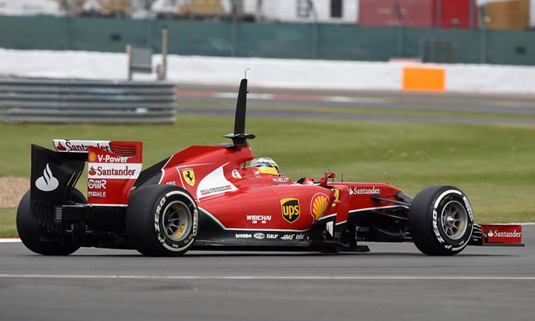 Pedro  de la Rosa, a bordo del Ferrari F14 T