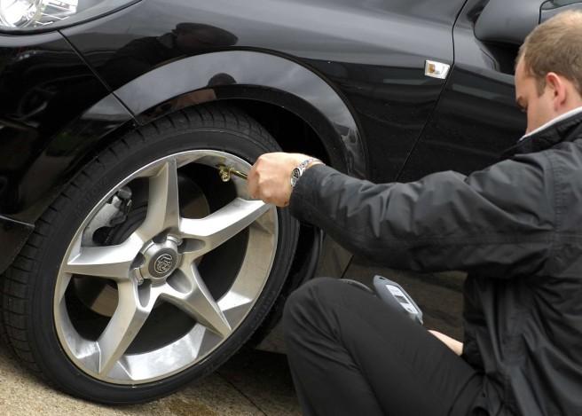 El correcto inflado de los neumáticos ayuda a ahorrar dinero