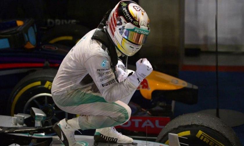Lewis Hamilton, festejando su séptimo triunfo del año