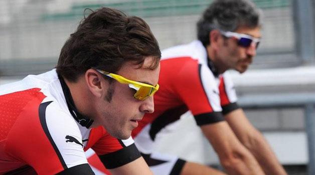 La UCI confirma que Fernando Alonso no tendrá equipo ciclista en 2015