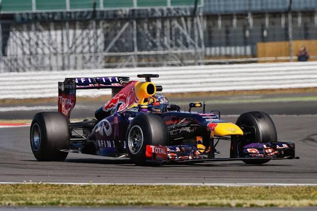 Carlos Sáinz, a bordo de un Red Bull en los tests de Silverstone 2013