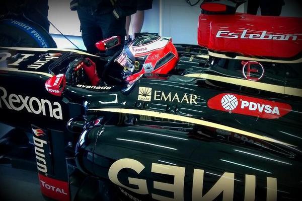 Esteban Ocon, durante su prueba con el Lotus E20 en Valencia