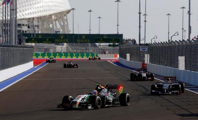Sergio Pérez arañó un punto pese a las advertencias del box de Force India
