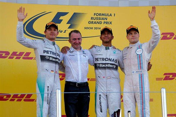Lewis Hamilton, una vez más en lo más alto del cajón en SochLewis Hamilton, una vez más en lo más alto del cajón en Soch