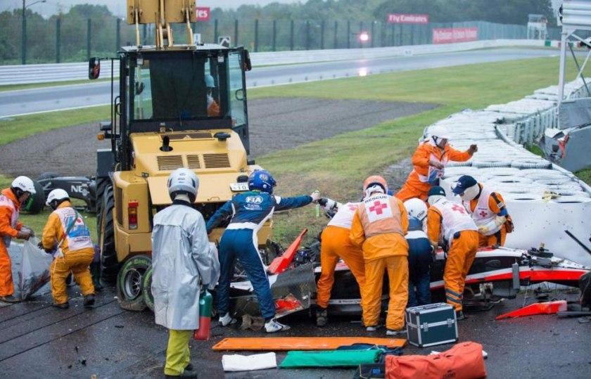 Jules Bianchi en el momento de ser atendido tras su accidente