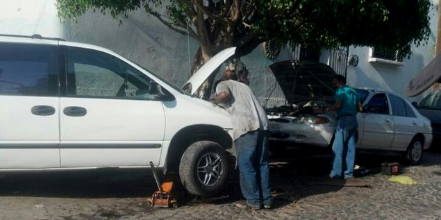 El sector del Taller alerta de la proliferación de mecánicos a domicilio