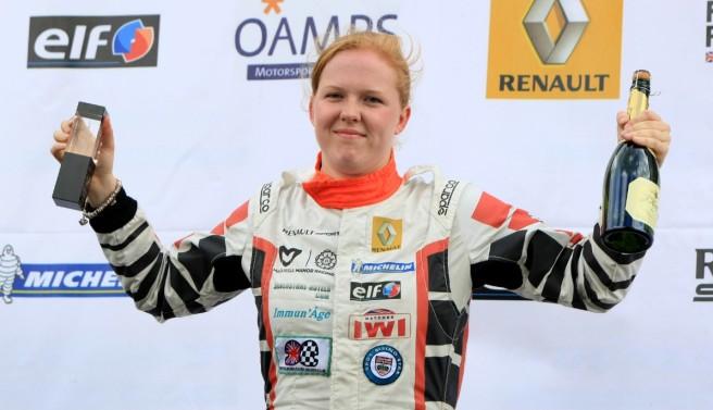 Alice Powell ofrece 45.000 libras por correr con Caterham en Abu Dhabi