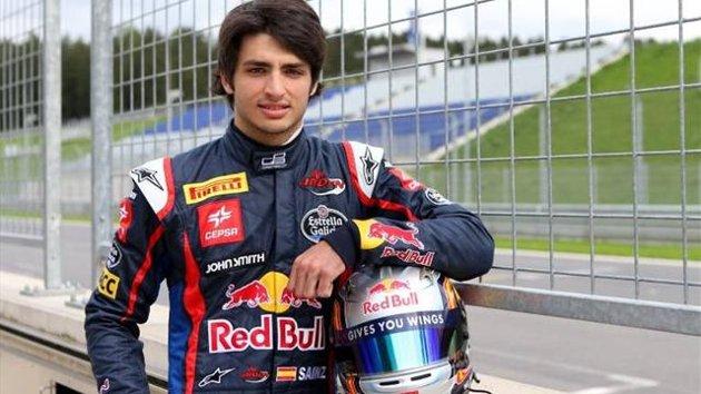 Carlos Sáinz Jr. se subirá a un Red Bull en Yas Marina la próxima semana