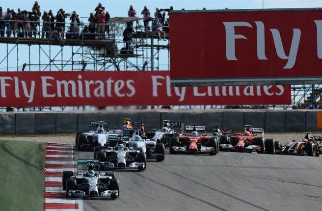 Nico Rosberg, liderando la carrera en el arranque de la misma