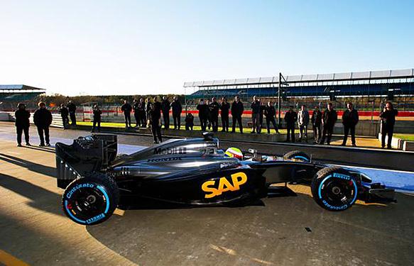 McLaren y Honda dan comiienzo a su nueva relación con un test en Silverstone