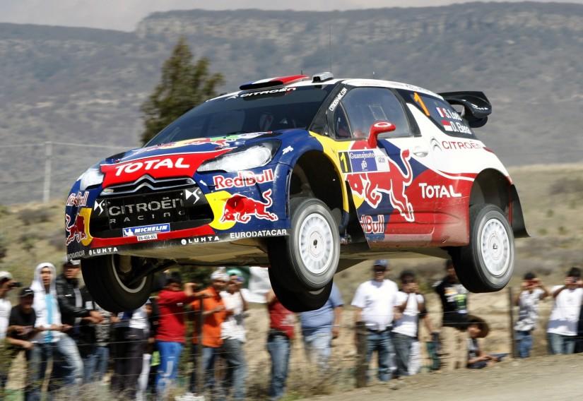 Sebastien Loeb, a bordo de un Citroën DS3 WRC durante el Rally de México