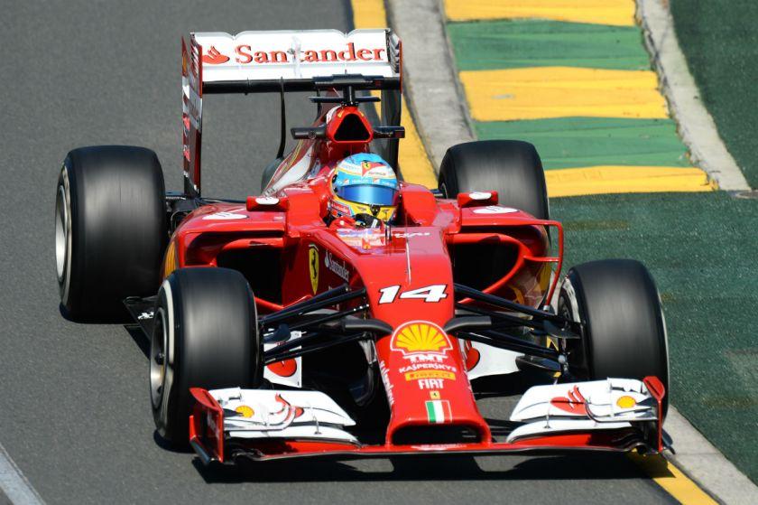 Fernando Alonso, ahora en McLaren, repetirá con el número 14