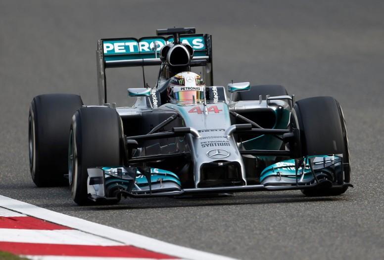 Lewis Hamilton renuncia al número 1 y repetirá dorsal en 2015