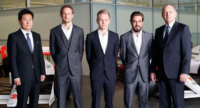 El equipo McLaren Honda de 2015, al completo