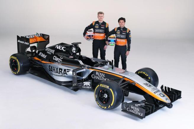 Nico Hulkenberg y Sergio Pérez junto al nuevo Force India VJM08