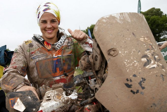 Laia Sanz hace historia al acabar novena en el Dakar 2015