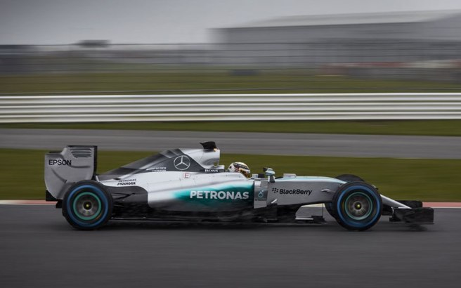 Lewis Hamilton también probó en Silverstone el nuevo Mercedes AMG W06