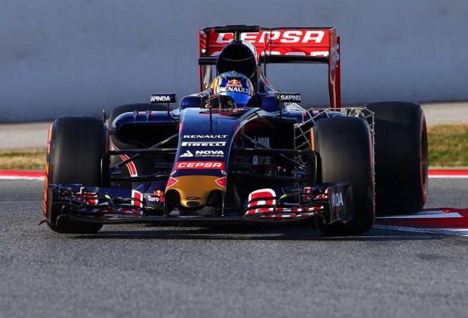 Carlos Sáinz estrenó el nuevo morro del Toro Rosso STR10
