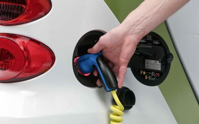 Japón ya cuenta con más puntos de recarga eléctrica que gasolineras